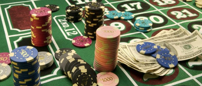 Playing online poker games - Some merits